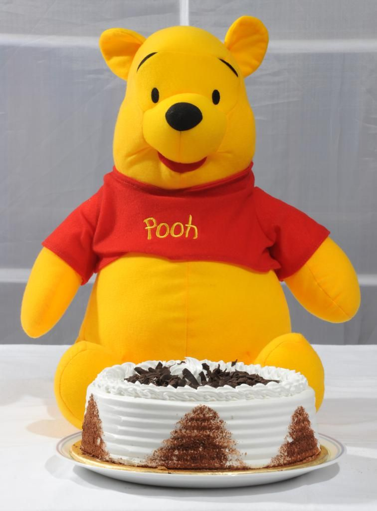 Pooh with Black Forest Cake