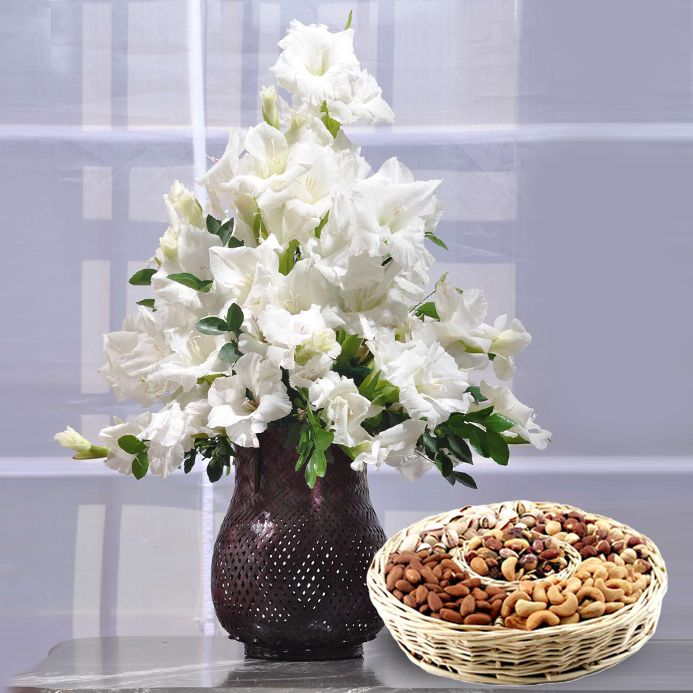 Glads with Dry Fruits Basket
