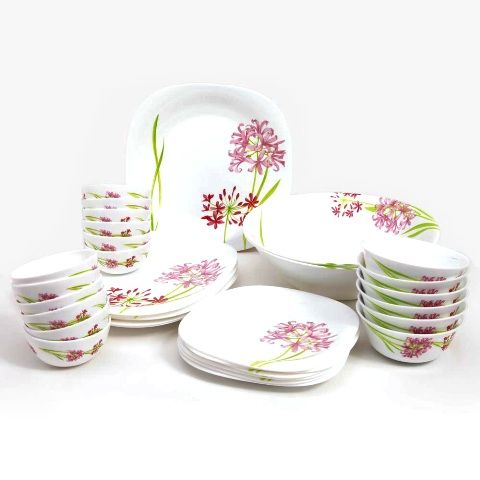 Dinner set for 8 persons