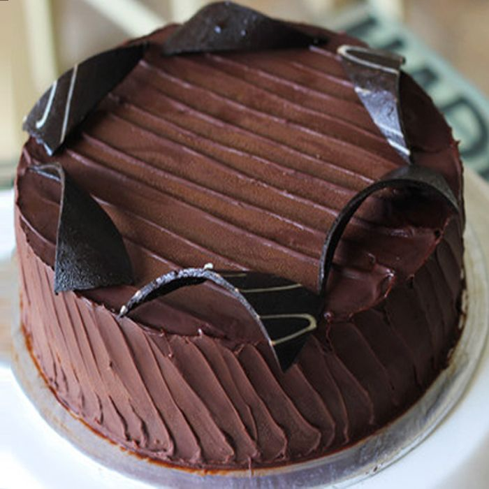 Lals Dark Chocolate Cake (2 LBS)
