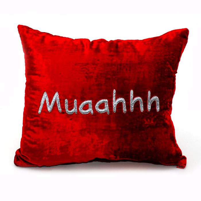 Muaahhh Cushion