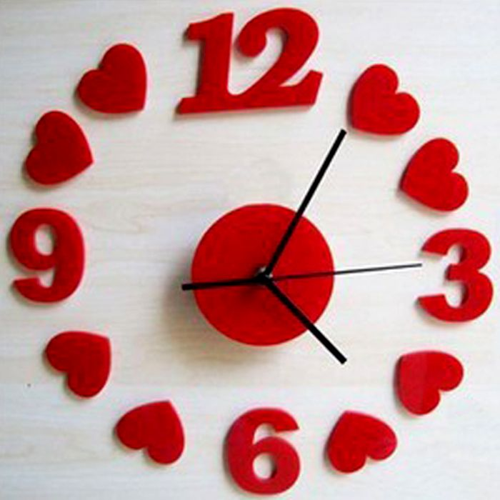 Wall Clock With Hearts