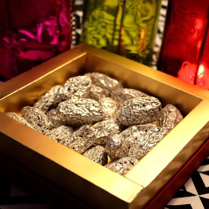 Silver Foiled Dry Dates Box