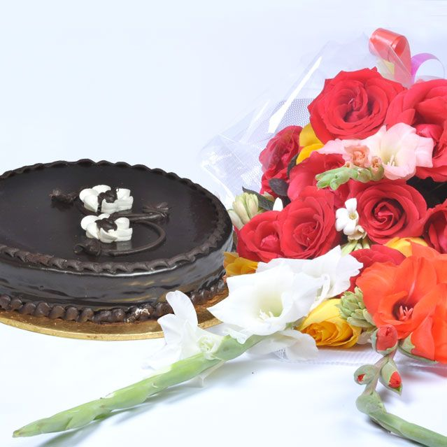 Chocolate Cake with Medium Bouquet