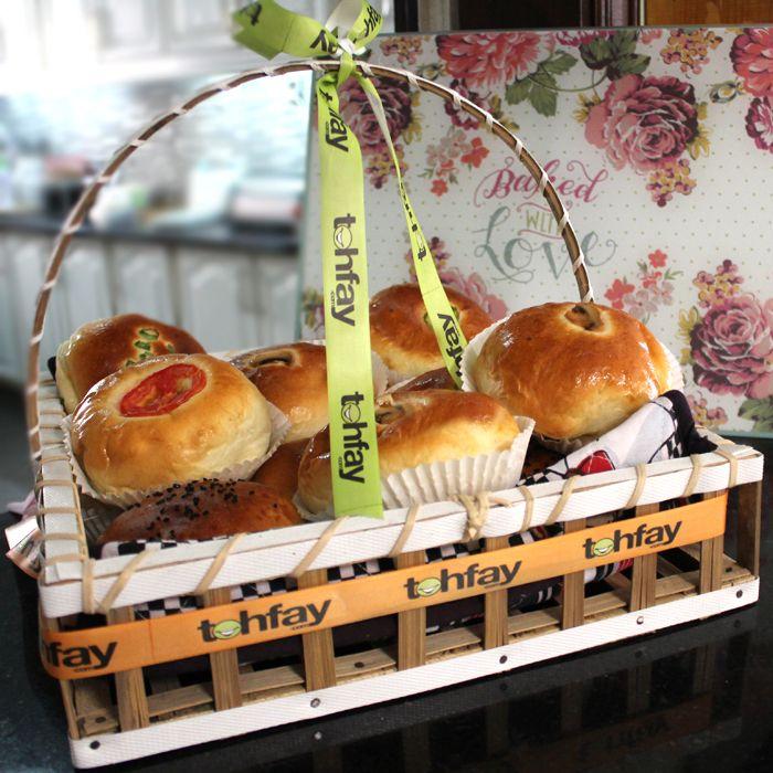 Assorted Savoury Buns (Basket of 6 Buns)