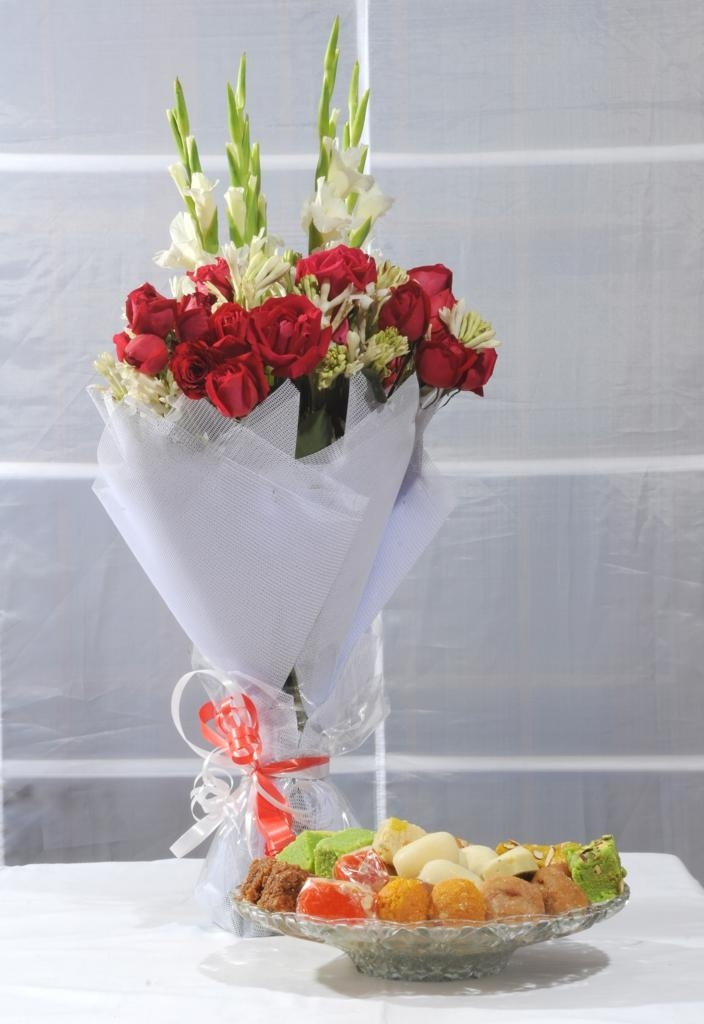 4Kg Mithai with Medium Bouquet