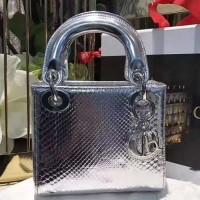 Elegant Wine Handbag