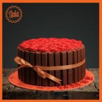 KitKat Rosette Cake From Sacha's Bakery