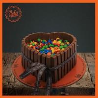 Kitkat M&M Heart Cake From Sacha's Bakery