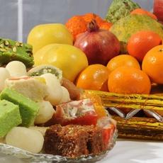 Fruit Basket with 2 Kg Mix Mithai